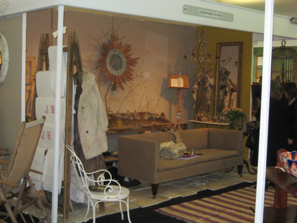 Battersea Decorative Fair Lively Business At Londons Decorative Antiques Fair Theartkey